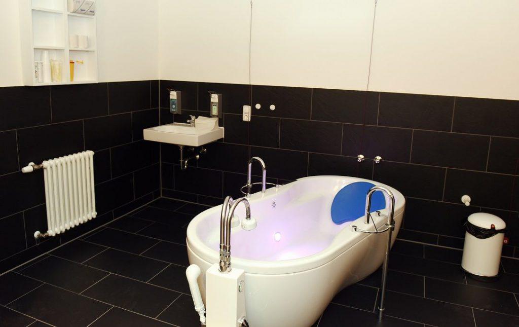 Расслабляющие ванны для рожениц